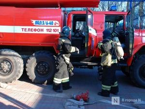 Крупный пожар уничтожил дом с надворными постройками в Краснобаковском районе