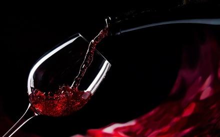 В Роскачестве рассказали, как правильно выбирать вино по этикетке