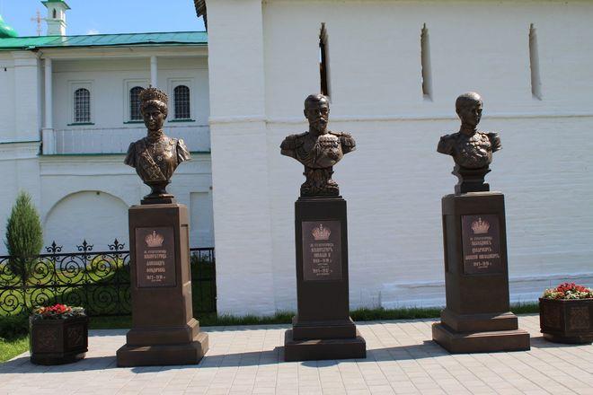Материнство и любовь: каких женщин и за что увековечили в Нижнем Новгороде - фото 14