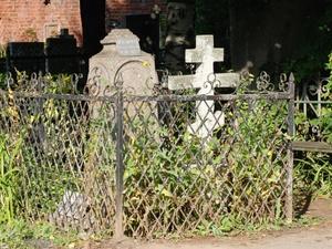 Главу администрации поселения в Павловском районе уличили в махинациях с уборкой кладбища