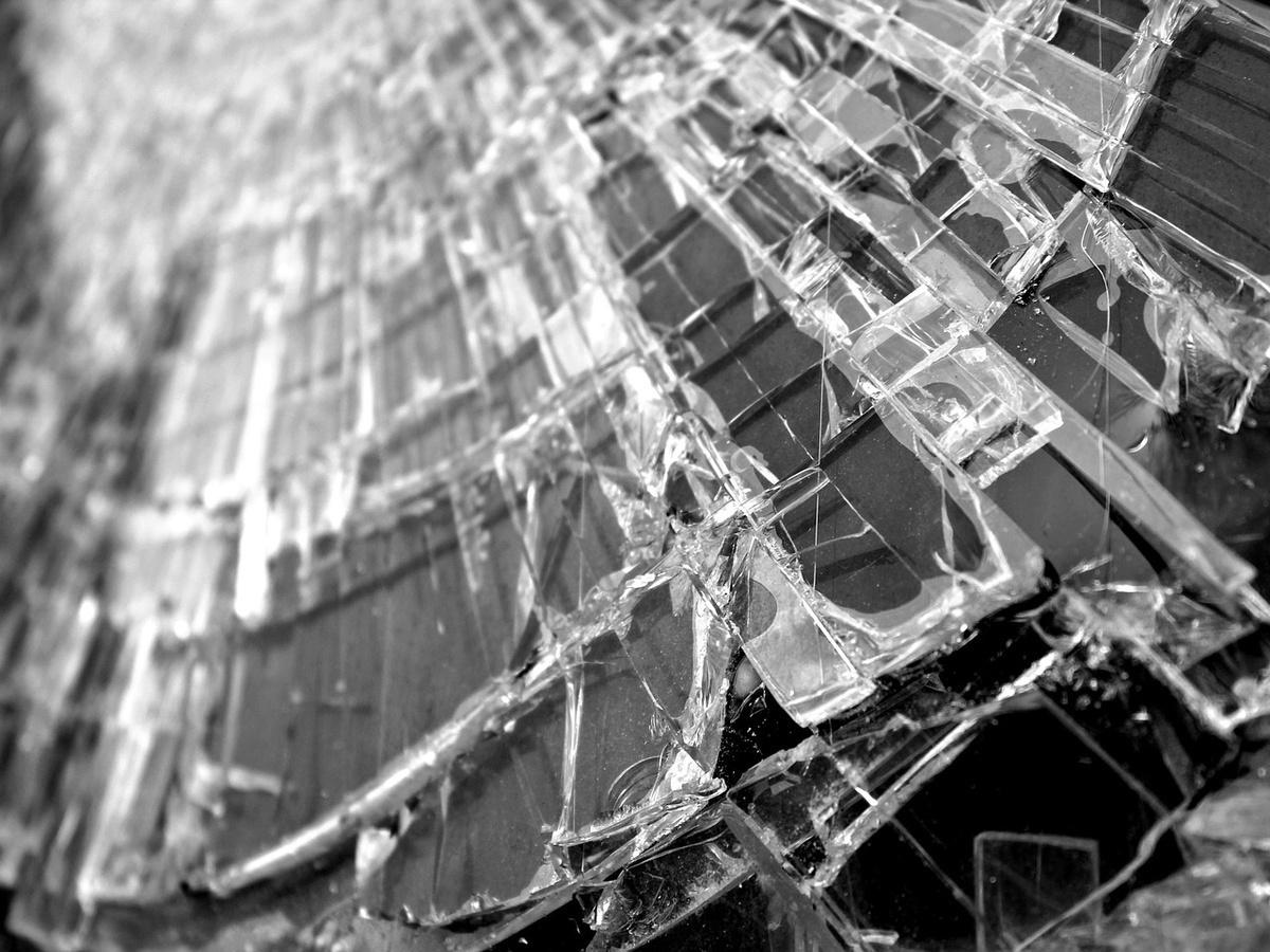 Женщина-водитель без прав погибли при столкновении с деревом в Шатковском районе - фото 1