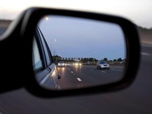 Три способа спасти боковые зеркала авто от слякоти