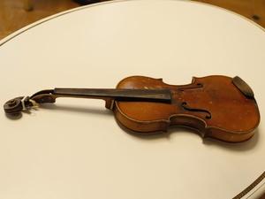 Изъятая у контрабандиста скрипка по лекалам Страдивари может стать экспонатом музея Балакирева