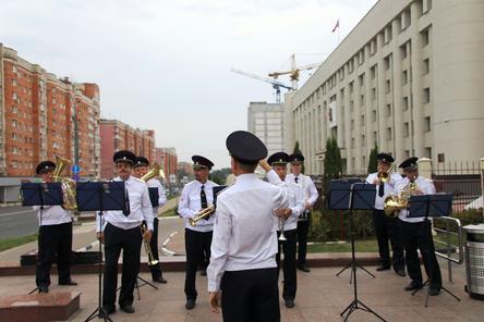 Оркестр из полицейских поздравил Нижний Новгород с 800-летием
