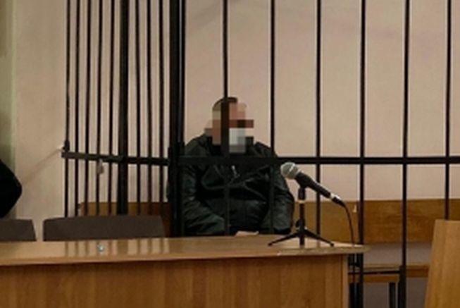 Житель Починковского района напал на спящего соседа с топором и скрылся в Москве