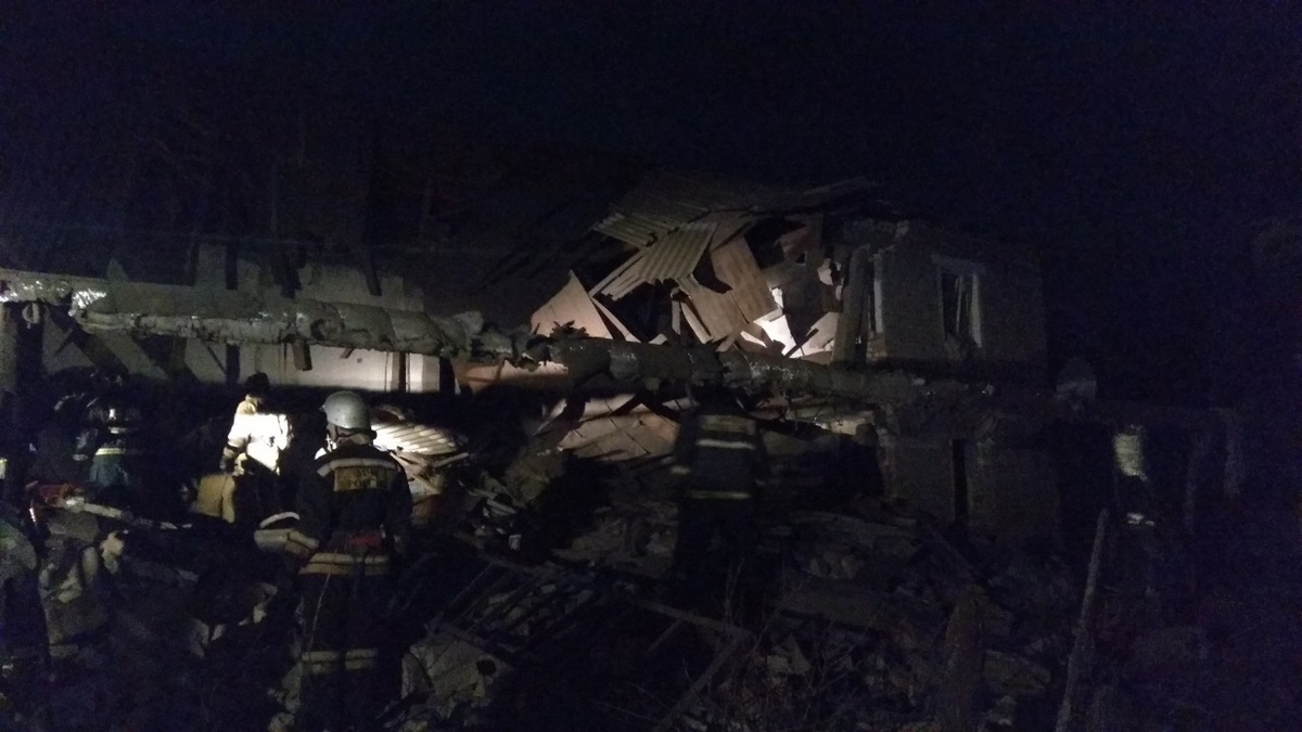 Появилось видео с места обрушения дома в Вачском районе