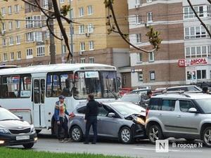 Маршрутка протаранила пять авто на проспекте Гагарина
