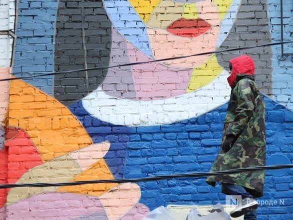 Отношения детей и родителей запечатлел в Нижнем Новгороде московский художник - фото 13