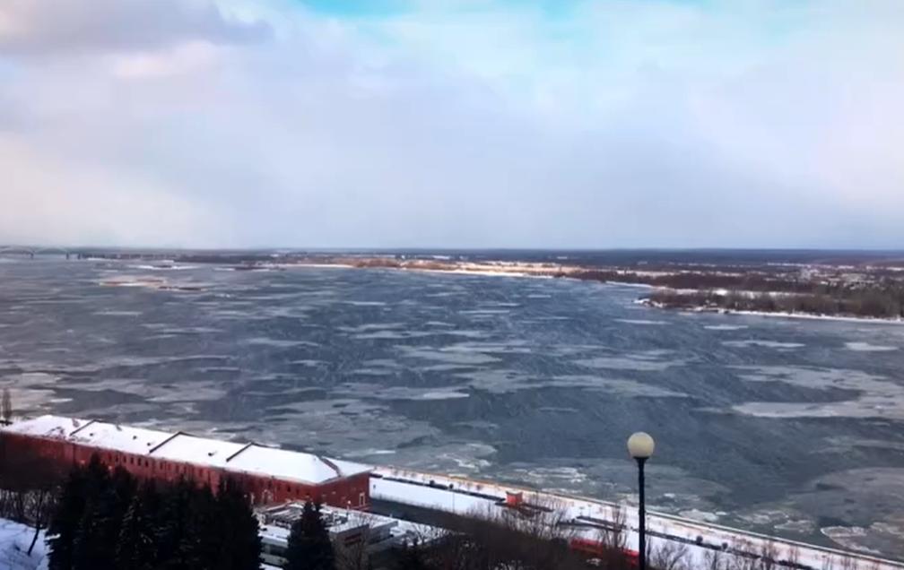 Ледоход в разгар зимы наблюдали нижегородцы