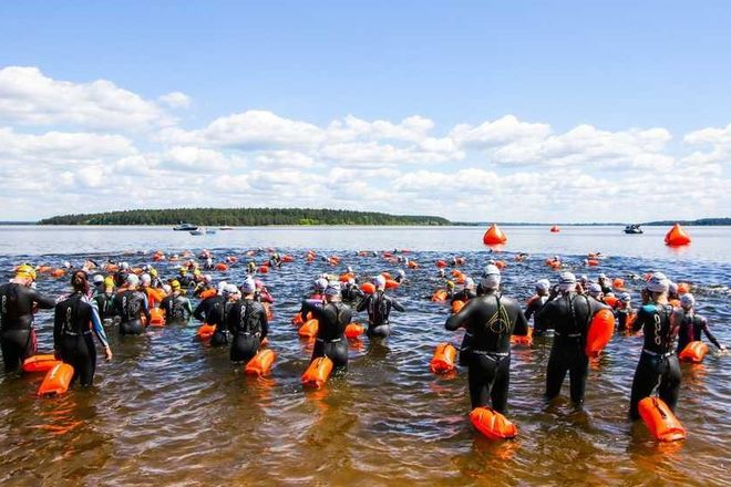 Депутат Законодательного собрания Нижегородской области принял участие в 5-м заплыве X-WATERS Volga - фото 2