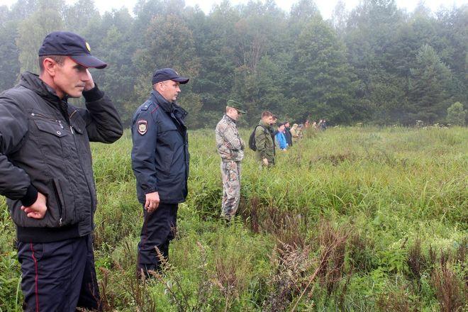 Следы обуви обнаружили поисковики на месте пропажи Зарины Авгоновой в Вознесенском районе - фото 7