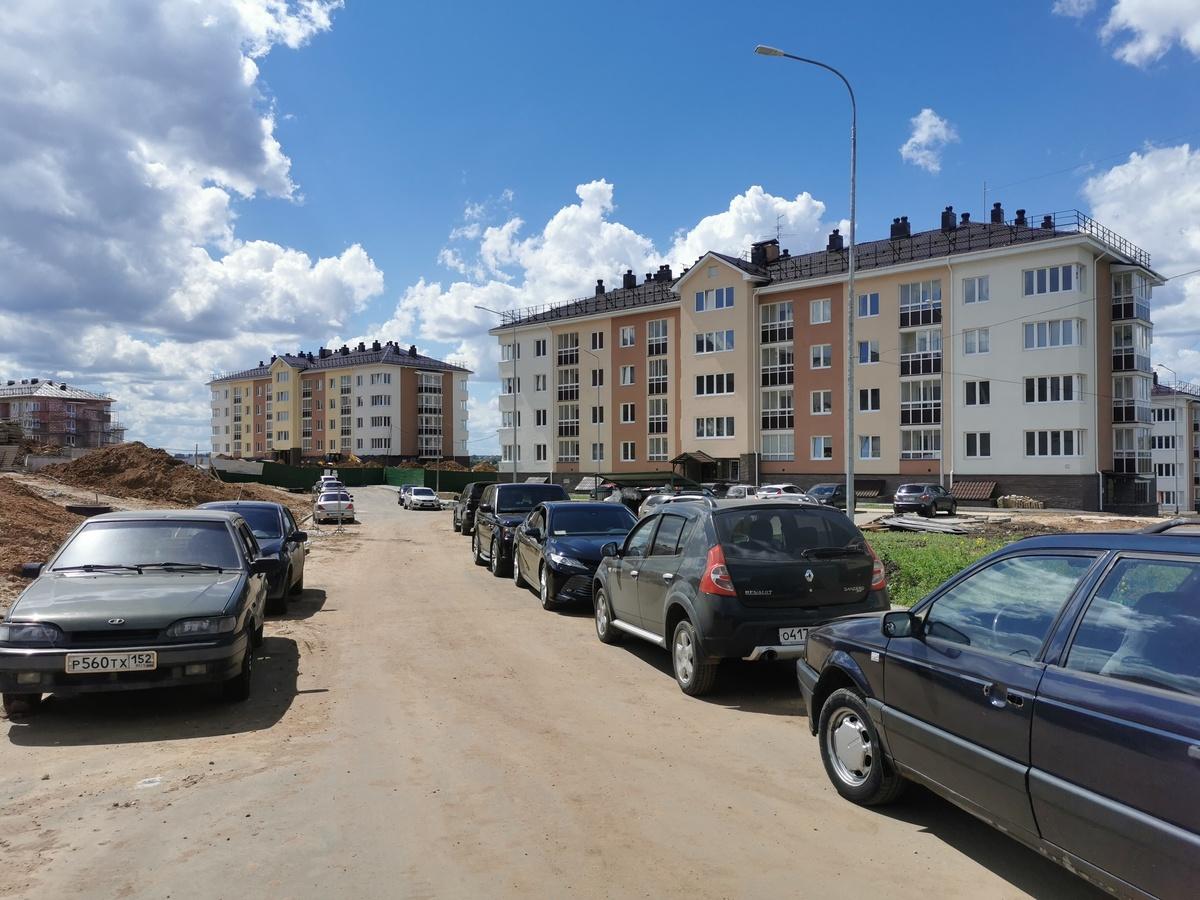 Коммуникации к недостроенным домам в нижегородском ЖК «Новинки Smart City» планируют проложить к ноябрю - фото 1