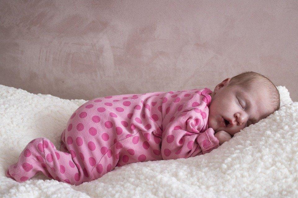 Сколько часов в сутки должен спать ребенок, а сколько — взрослый? - фото 2