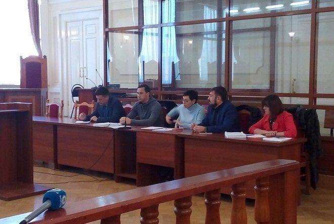 Бочкарев вернул Дзепе 4,6 млн рублей налом прямо в зале нижегородского суда - фото 1