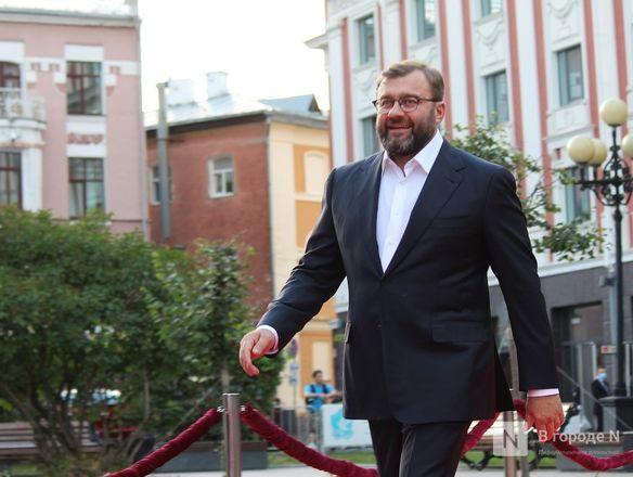 Маски на красной дорожке: звезды кино приехали на «Горький fest» в Нижний Новгород - фото 61