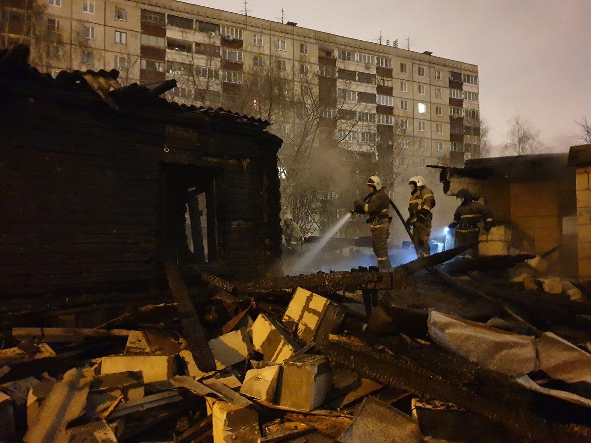 Жилой дом сгорел в Ленинском районе - фото 1