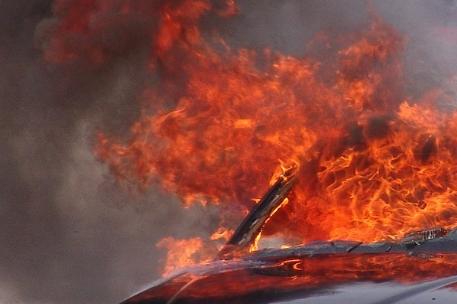 Сожженный труп мужчины найден в гаражах Московского района