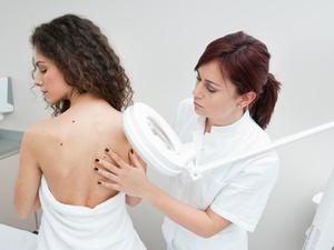 Женский доктор: какие обследования необходимо проходить регулярно?